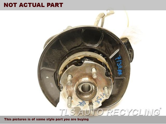 2007 Toyota RAV 4 rear nuckle / stub axle. 42304-42020  42410-42040PASSENGER REAR KNUCKLE W/HUB