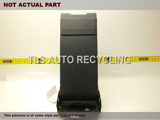 2007 Audi A8 AUDI Console front and Rear. REAR SECTION HAS SCUFF  4E0864245B22A  4E0864245C22A  BLACK LEATHER CENTER CONSOLE LID