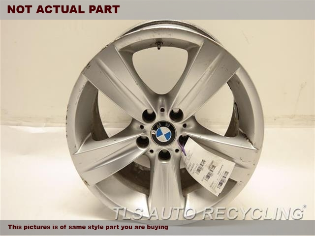 2008 BMW 335I Wheel. SCRATCHES ON FACE & OUTER EDGE18X8 FRONT ALLOY 5 SPOKE WHEEL
