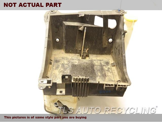 2015 Ford F250SD Wash Reservoir Assy. CC3Z10732A  8C3Z17664A WINDSHIELD WASHER BOTTLE ASSEMBLY