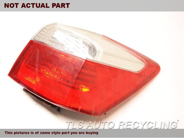 2015 Honda Accord Tail Lamp. RH,SDN, QUARTER MOUNTED