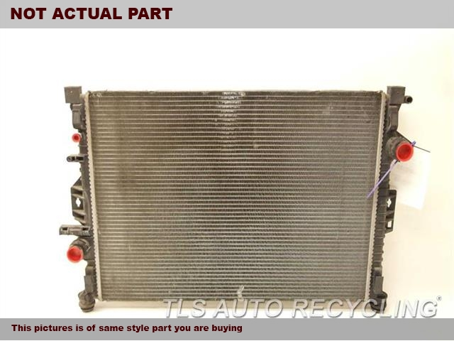 2017 Land Rover DISCO SPT Radiator. UPPER SECTION HAS HAS A FEW DENTS RADIATOR