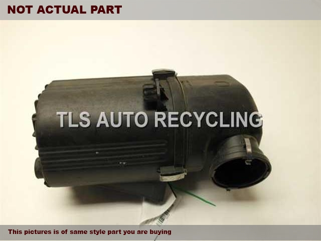 2005 Land Rover Range Rover Air Cleaner. DRIVER AIR CLEANER BOX PHB000214