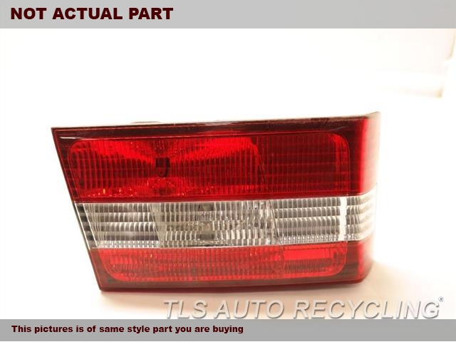 DRIVER LID TAIL LAMP 81681-33070