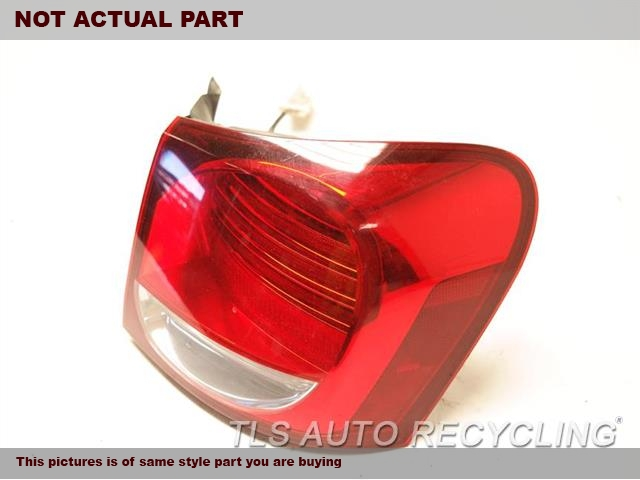 PASSENGER SIDE TAIL LAMP 81551-30A50