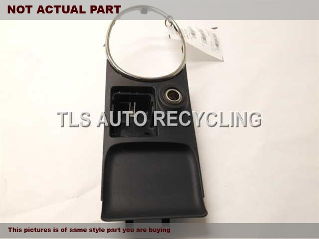 2004 Lexus IS 300 Console front and Rear. 58905-53050BLACK CENTER CONSOLE LEATHER LID
