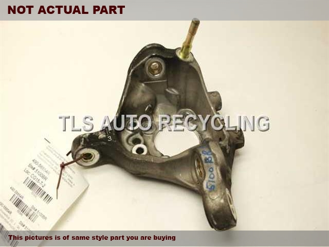 2004 Lexus LS 430 rear nuckle / stub axle.  42304-50090 42410-50010PASSENGER REAR STUB AXLE W/HUB