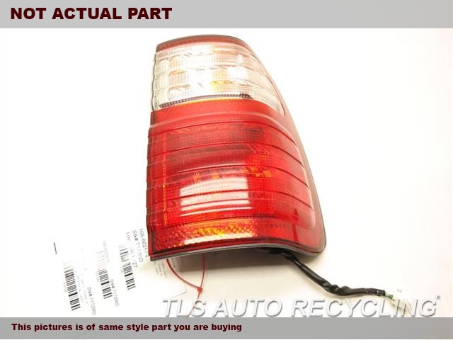 2001 Lexus LX 470 Tail Lamp. RH,QUARTER PANEL MOUNTED, R.