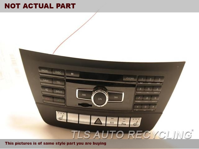 2013 Mercedes C250 Radio Audio / Amp. 2049000511  2049003411RADIO RECEIVER 2049007311