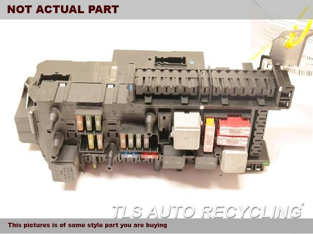 2014 Mercedes E350 Chassis Cont Mod. MODULE 2129009722FUSE BOX W/REAR SIGNAL ACTIVATION