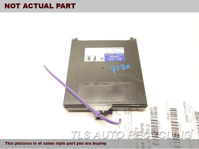 2014 Toyota 4 Runner Chassis Cont Mod. COMPUTER 89220-3523089221-35230 MULTIPLEX NETWORK BODY