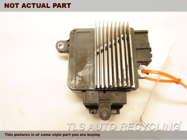 2012 Toyota Highlander Chassis Cont Mod. 89257-30060 COOLING FAN COMPUTER