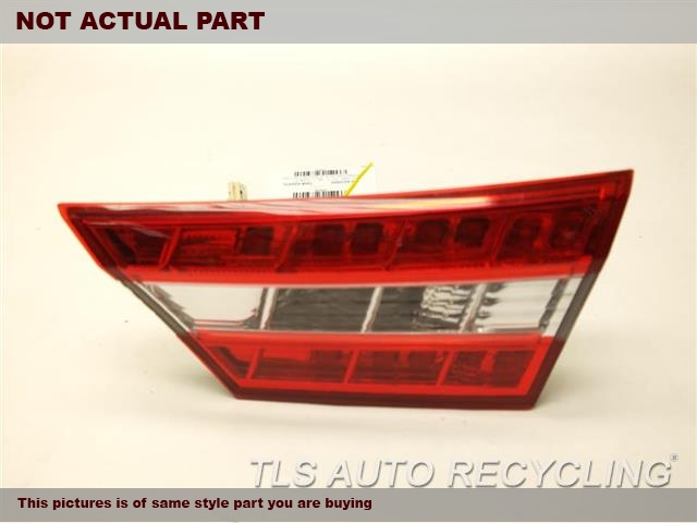 2013 Toyota Avalon Tail Lamp. 81580-07070PASSENGER DECKLID MOUNT TAIL LAMP