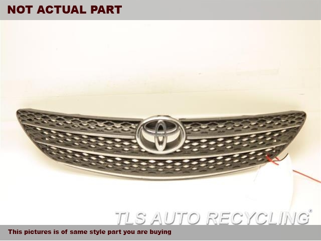 2003 Toyota Camry Grille. BOTH DRIVER AND PASSENGER UPPER TAB IS DAMAGEDCHROME/BLACK GRILLE  53101-AA020