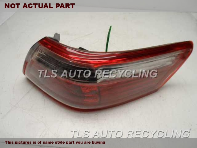 2007 Toyota Camry Tail Lamp  RH,QUARTER PANEL MOUNTED, R