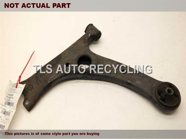 2005 Toyota Matrix Lower Cntrl Arm, Fr. 48069-02020DRIVER FRONT LOWER CONTROL ARM