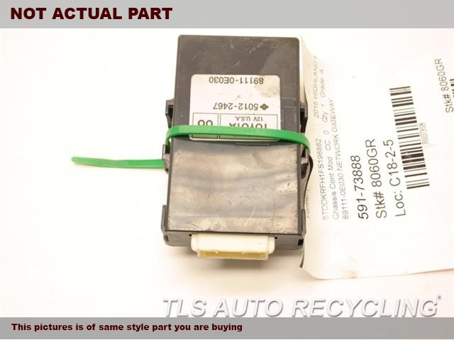 2015 Toyota Highlander Chassis Cont Mod. 89111-0E030 NETWORK GATEWAY