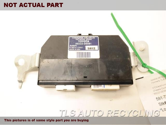 2015 Toyota Highlander Chassis Cont Mod. 89222-0E081 LIFTGATE CONTROL