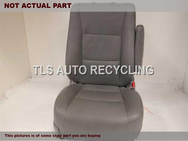 2004 Toyota Land Cruiser Seat, Front. 71430-60A20-B0 71001-60C70-B0GRAY PASSENGER FRONT LEATHER SEAT