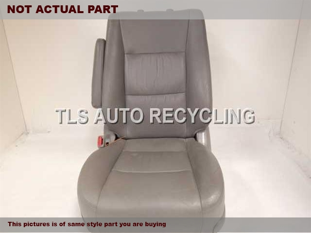 2004 Toyota Land Cruiser Seat, Front.  71440-60A10-B0 71072-60710-B0GRAY DRIVER FRONT LEATHER SEAT