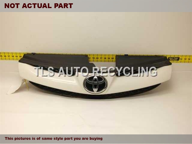 2006 Toyota Sienna Grille. TAN/BLACK GRILLE 53111-AE030