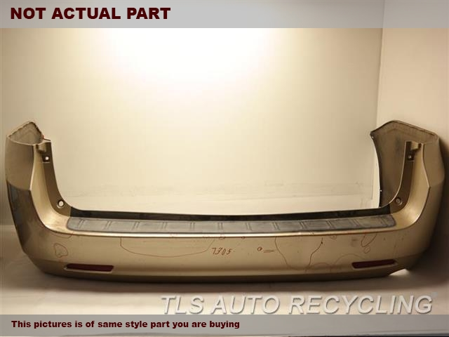 2017 Toyota Sienna Bumper cover rear  . MINOR SCUFFS ON THE LEFT, MIDDLE AND RIGHT SECTION, MINOR DENT ON THE MIDDLE SECTION W/O PARK ASSIST BUMPER  COVER