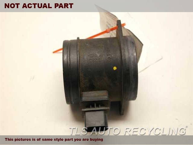 2009 Volkswagen TOUAREG Air Flow Meter. MASS AIR FLOW METER 03H906461